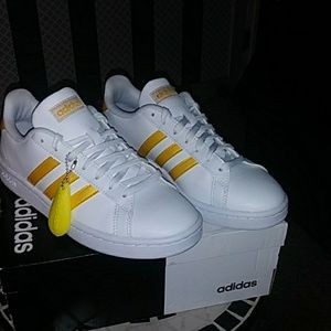 "Adidas ""Grand Court"" Womens Shoes Size 7"